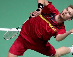 Axelsen Sizzles; Tai Survives – Day 1: Dubai World Superseries Finals 2017